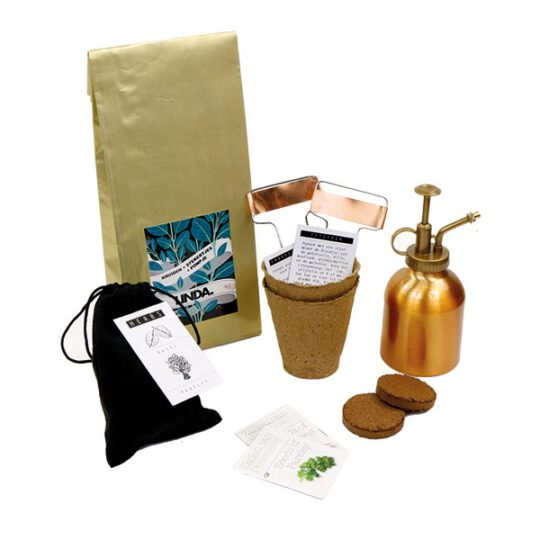 Plantensproeier koper met keukenkruiden